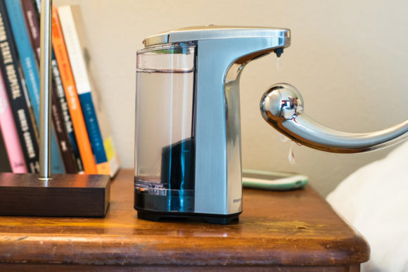 simplehuman Sensor Pump automatic LUBE dispenser with the njoy Pure Wand